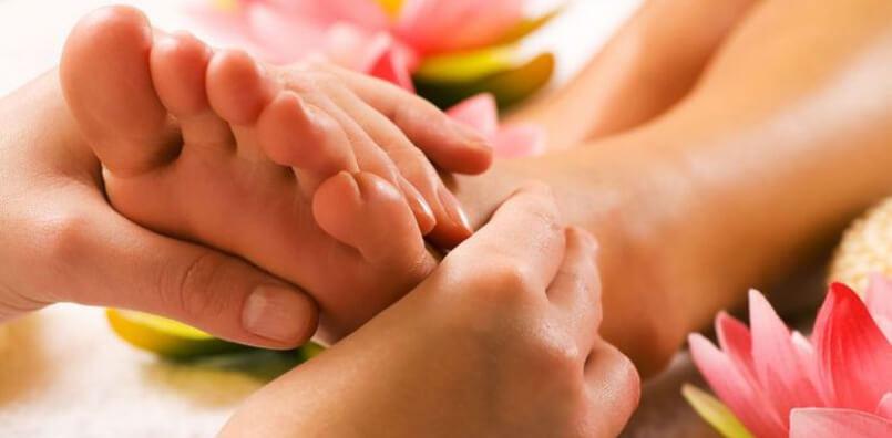 Vidéo d'un massage des pieds, réflexologie plantaire